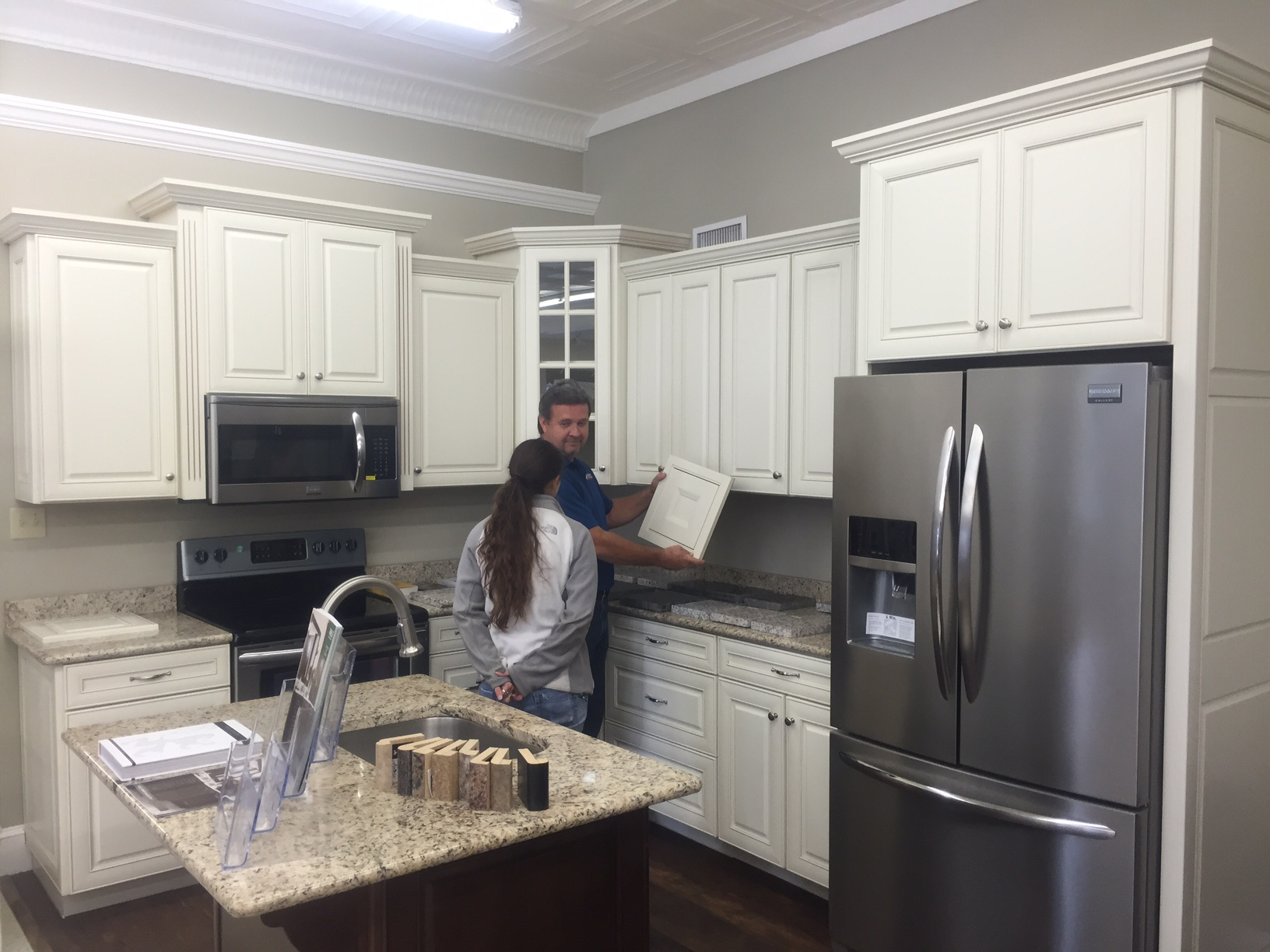 Whether You Are Building Or Remodeling, Short U0026 Paulk Is The Place To Go To  Find All Your Cabinetry Needs. We Offer A Wide Range Of Kitchen And Bath ...